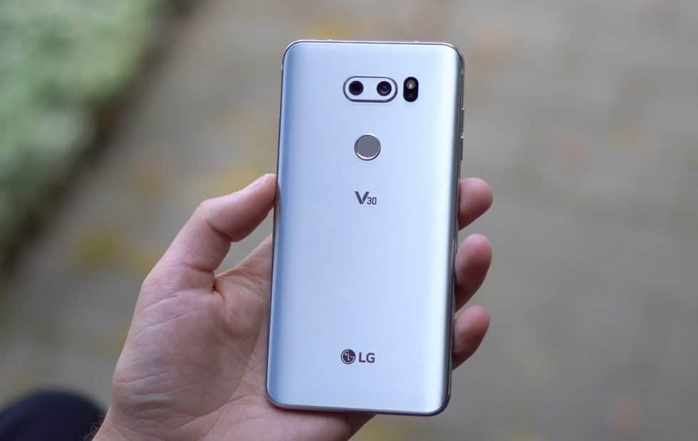LG V30 now official with 6-inch P-OLED Bezel-Less screen at