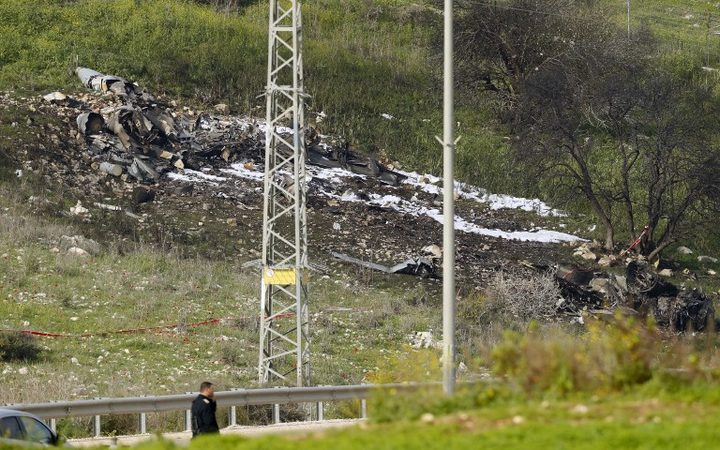 Syria war: Israeli F-16 fighter jet crashes