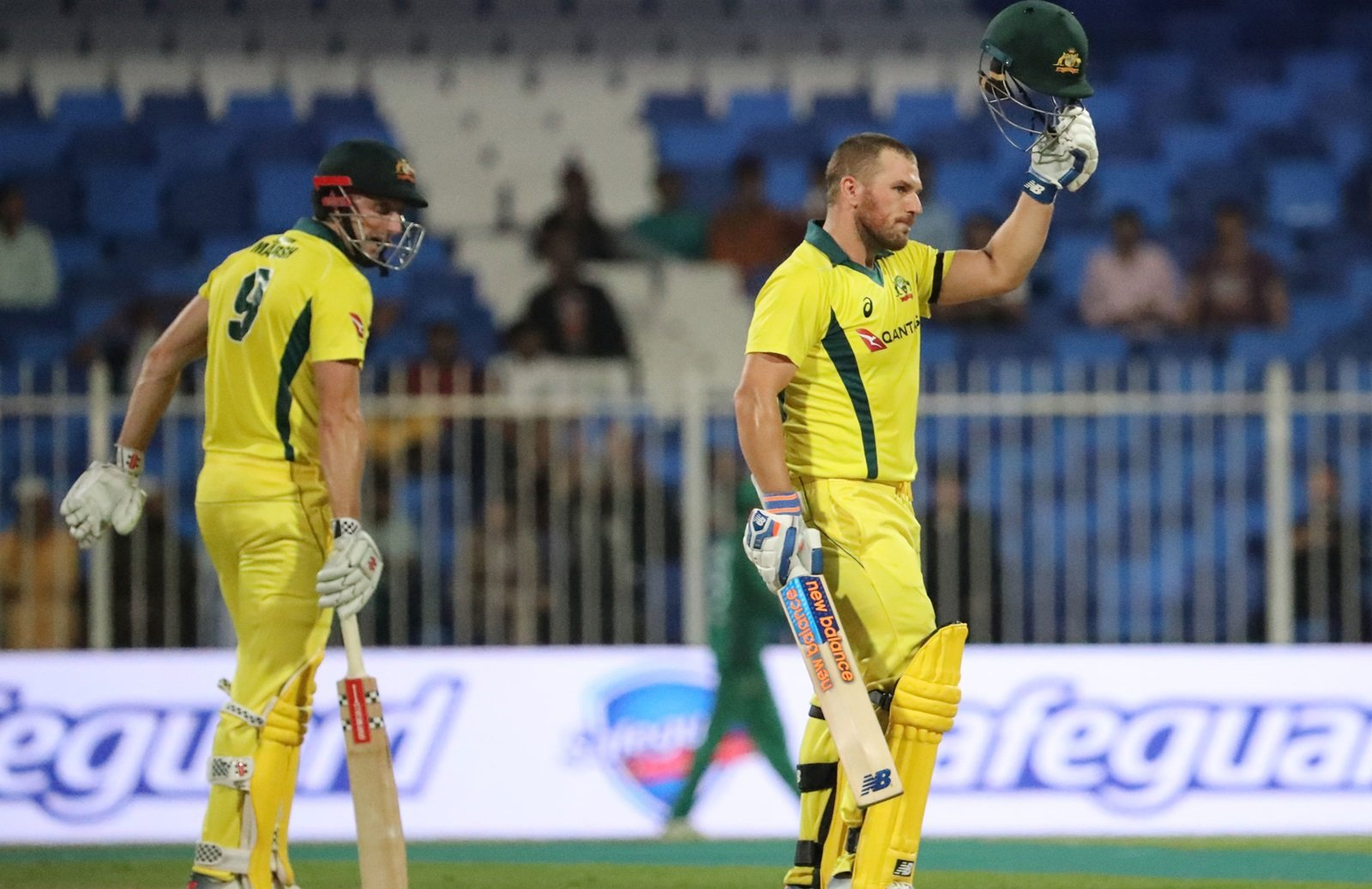 Clinical Australia beat Pakistan riding on Finch ton