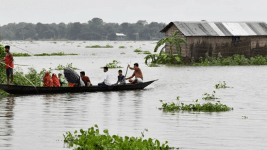 Photo of Huge floods, landslides in 26 districts, 27.64 lakh people affected, 105 deaths in Assam